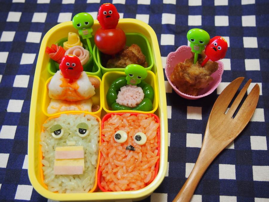 お弁当に簡単!可愛いおかず♡ピーマンお花 と海老のポークビッツ巻き