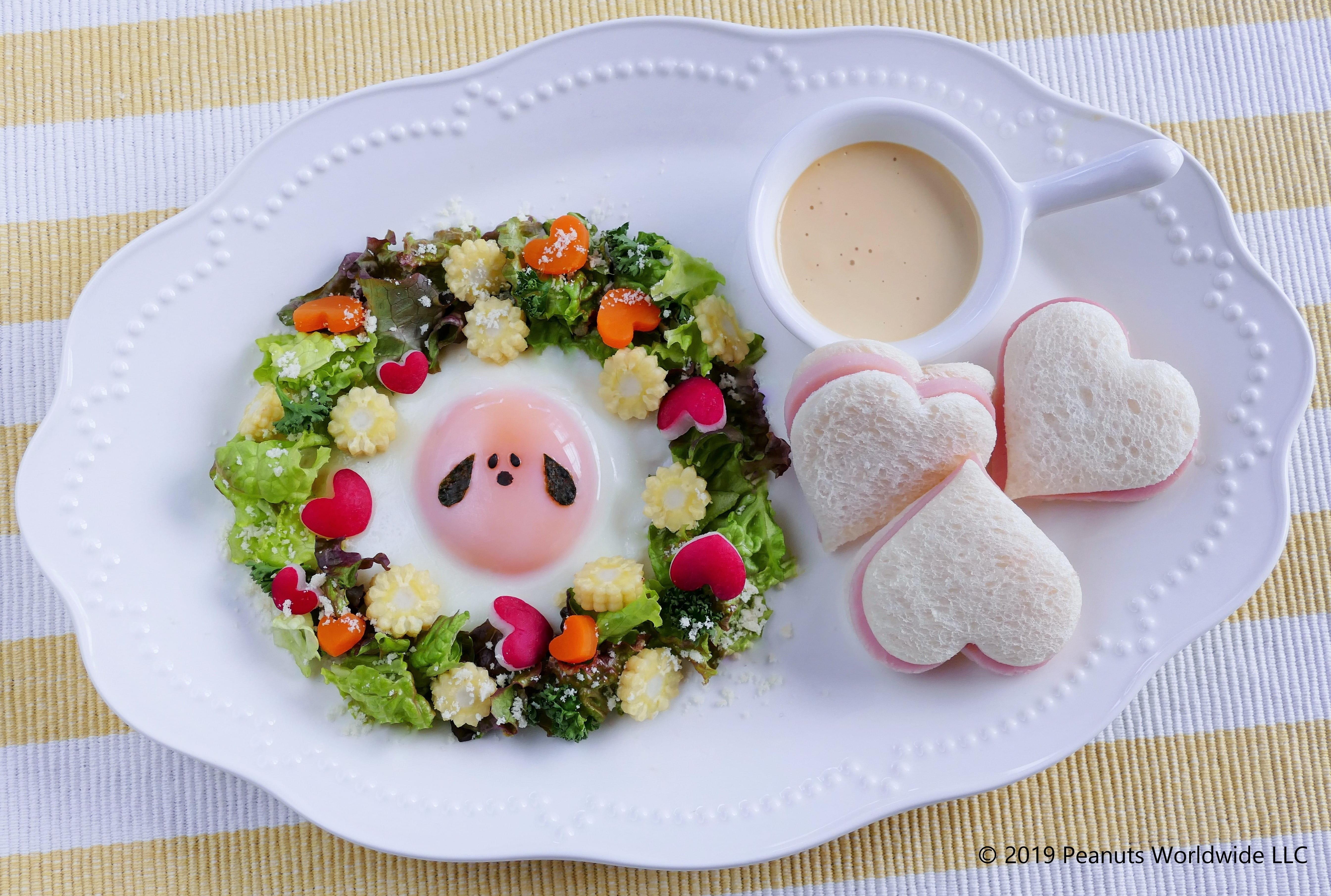 recipe4 スヌーピーのかわいい目玉焼き シーザーサラダ添え